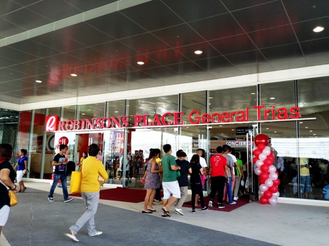robinsons-general-trias-opening